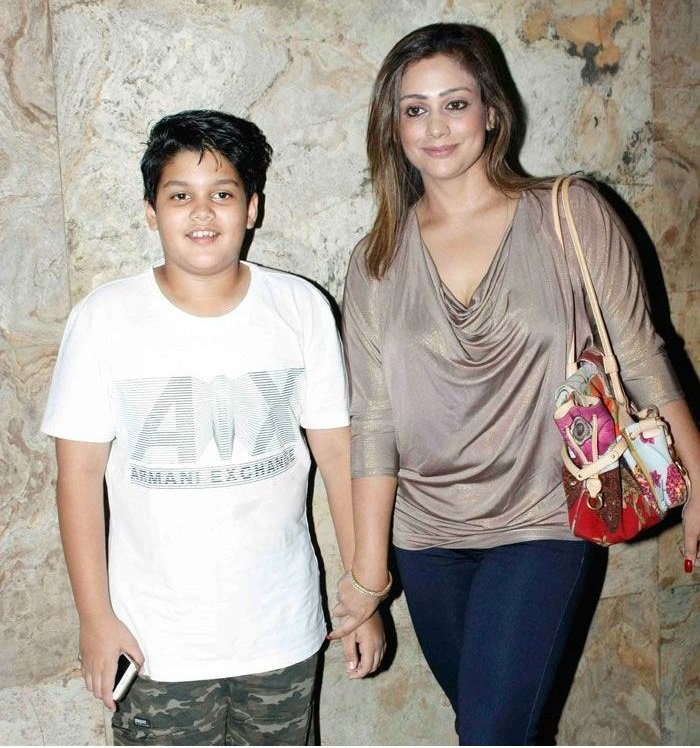 Jimmy Shergill wife and son